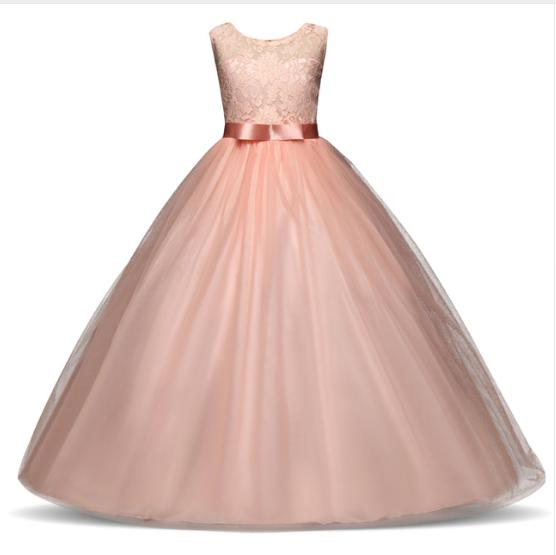 dlouhé dívčí šaty luxusní sváteční slavnostní svatební Tvujdesign.cz c5b8ae83aa